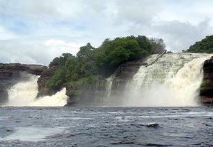 El Hacha Falls